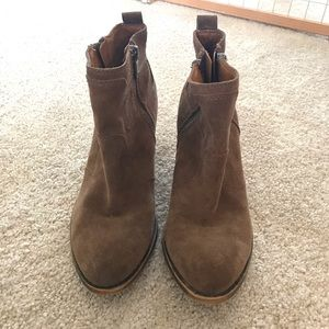 Lucky brand booties in brown suede!